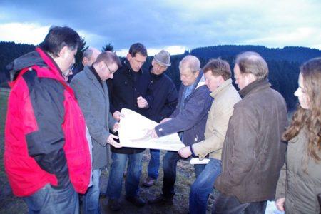 Jens Kamieth MdL besuchte mit CDU Stadtverband Siegen geplantes Neubaugebiet in Volnsberg