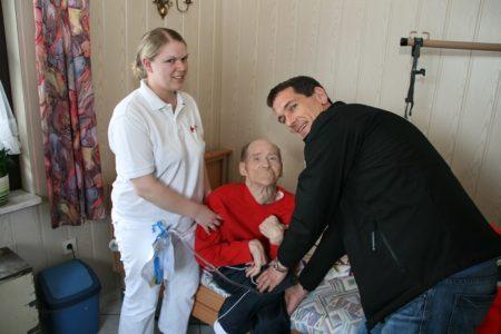 Viele neue Eindrücke bei Pflegepraktikum für Landtagsabgeordneten Jens Kamieth