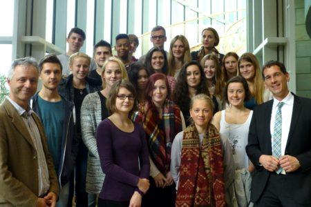Besuch aus Siegen – Schülerinnen und Schüler der Rudolf-Steiner Schule zu Gast im Landtag