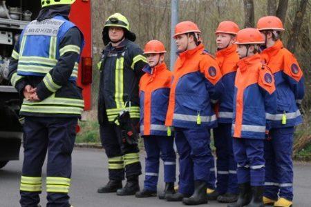 Jens Kamieth MdL besuchte Jugendfeuerwehr des Löschzuges Neunkirchen