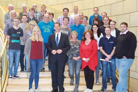 Feuerwehr Würgendorf besucht Jens Kamieth im Landtag