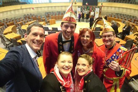 Jens Kamieth MdL empfängt Käner Karneval Club beim Närrischen Landtag