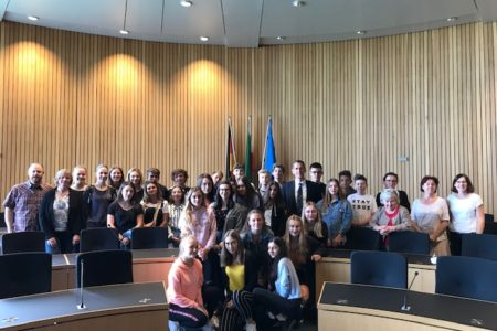 Deutsch-Polnische Jugendgruppe besucht Jens Kamieth MdL im NRW-Landtag