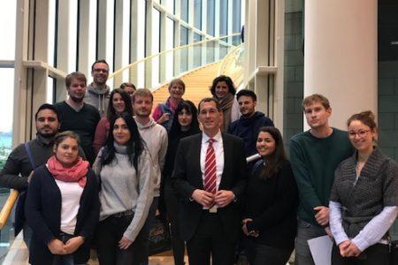 Lehramtsanwärter/innen des Zentrums für schulpraktische Lehrerausbildung (ZfsL) Siegen besuchen Jens Kamieth MdL im NRW-Landtag