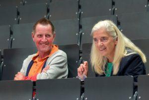 Holger Burckhart (Rektor der Universität Siegen) mit Ministerin Isabel Pfeiffer-Poensgen im neuen Hörsaalzentrum am Campus Unteres Schloss.
